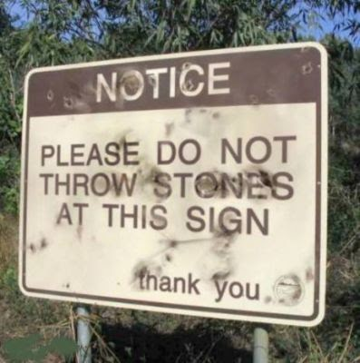 dont-throw-rocks-sign