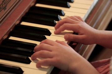 hands-on-piano
