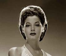 hair poof 1940s